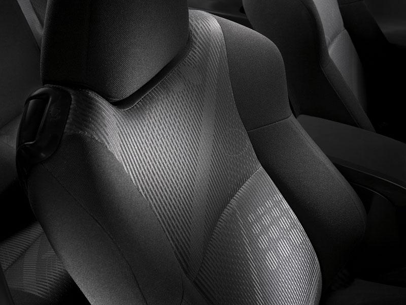 Scion tC Coupe: premiéra druhé generace v New Yorku: - fotka 13