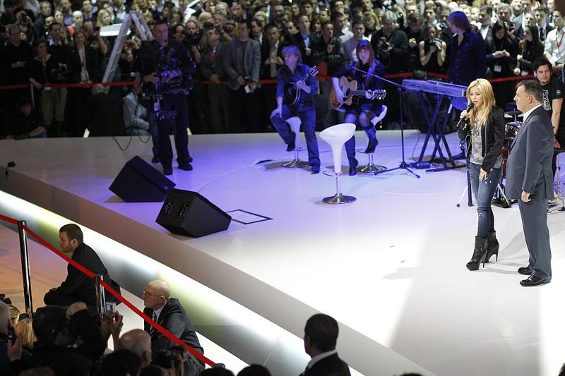 Největší hvězda na stánku Seatu: Shakira: - fotka 5
