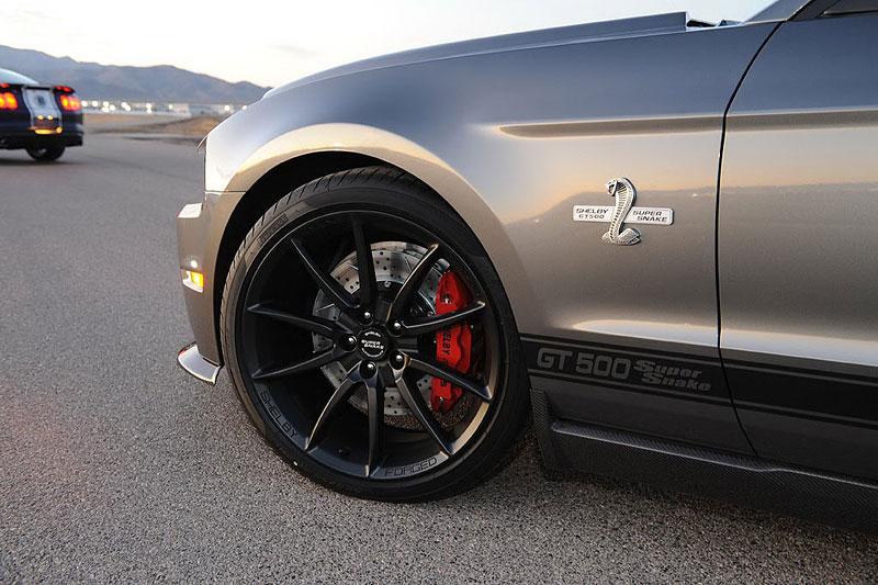 Shelby GT500 Super Snake 2012: připravte se na 800 koní: - fotka 5