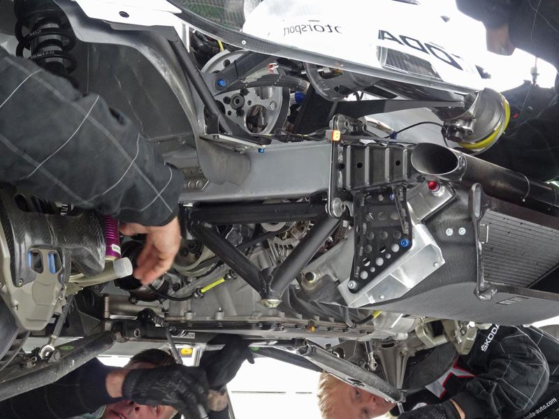 Reportáž: Se Škodou Octavia RS na Masarykově okruhu: - fotka 32