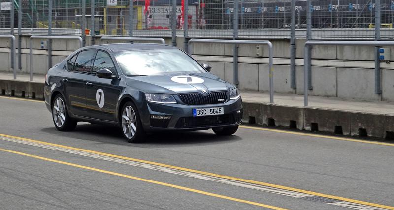 Reportáž: Se Škodou Octavia RS na Masarykově okruhu: - fotka 56