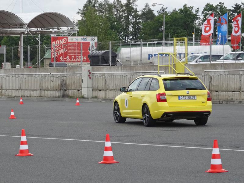 Reportáž: Se Škodou Octavia RS na Masarykově okruhu: - fotka 69