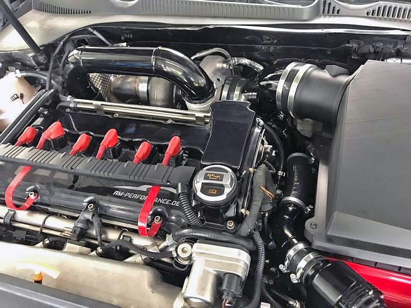 Německý úpravce výrazně vylepšil Octavii RS. Dal do ní pětiválec z Audi RS 3: - fotka 4