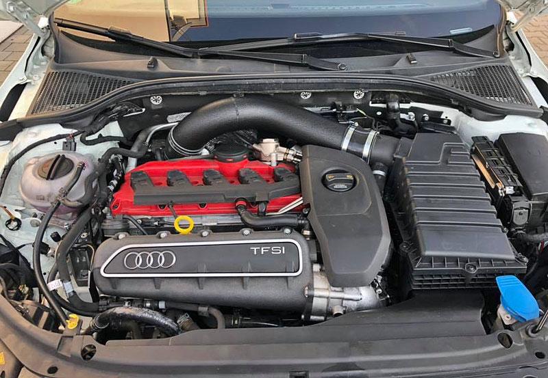 Německý úpravce výrazně vylepšil Octavii RS. Dal do ní pětiválec z Audi RS 3: - fotka 5