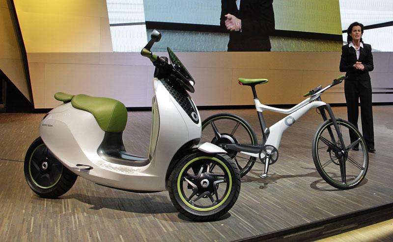 Paříž 2010: Smart ebike: - fotka 10
