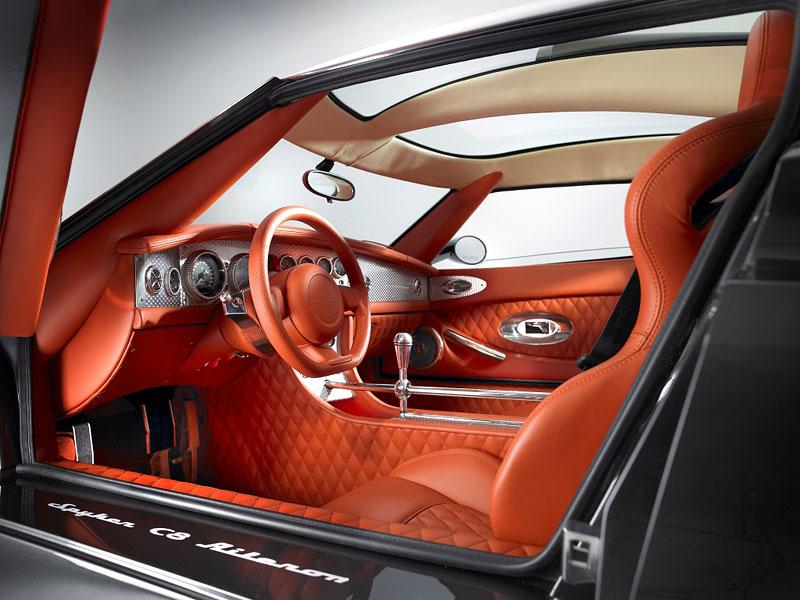Ženeva živě: Spyker C8 Aileron – do módy nastupuje prodlužování: - fotka 1