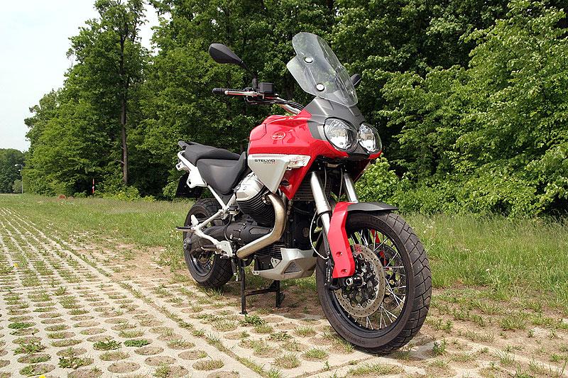 Dueltest - Honda XL1000V Varadero vs. Moto Guzzi Stelvio 1200: - fotka 9