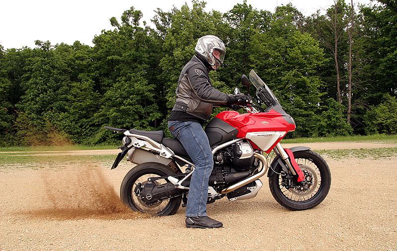 Dueltest - Honda XL1000V Varadero vs. Moto Guzzi Stelvio 1200: - fotka 15