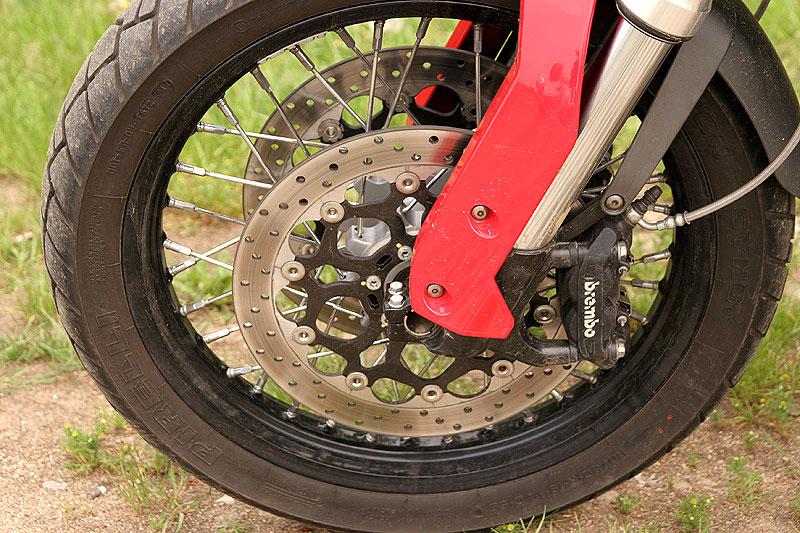 Dueltest - Honda XL1000V Varadero vs. Moto Guzzi Stelvio 1200: - fotka 21