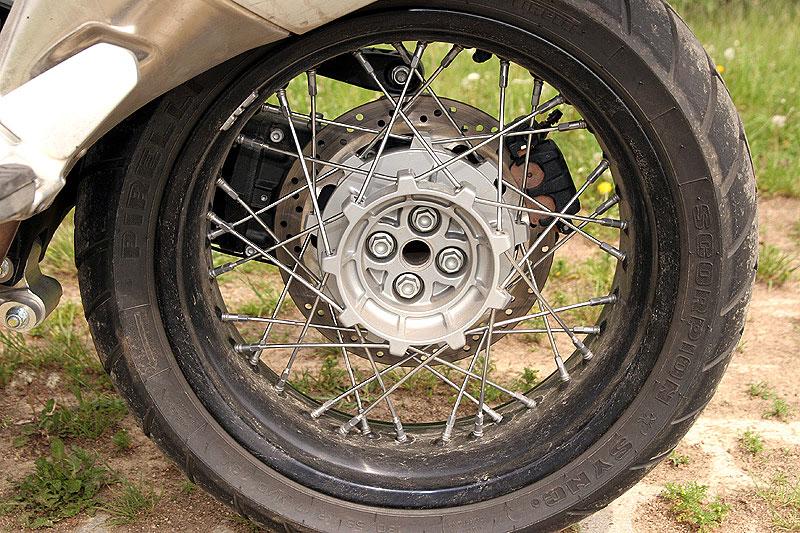 Dueltest - Honda XL1000V Varadero vs. Moto Guzzi Stelvio 1200: - fotka 26