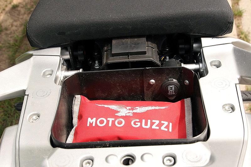 Dueltest - Honda XL1000V Varadero vs. Moto Guzzi Stelvio 1200: - fotka 31