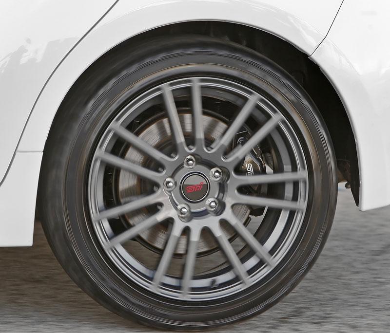 Subaru Impreza WRX STI Special Edition: lepší podvozek, méně výbavy: - fotka 20