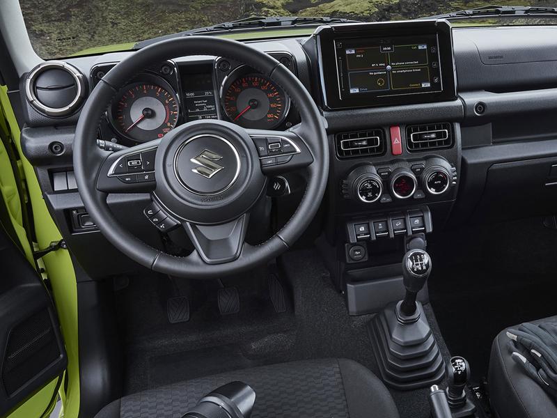 Je nové Suzuki Jimny stále pořádný off-road? Britové ho poslali do souboje s Toyotou Land  Cruiser: - fotka 4