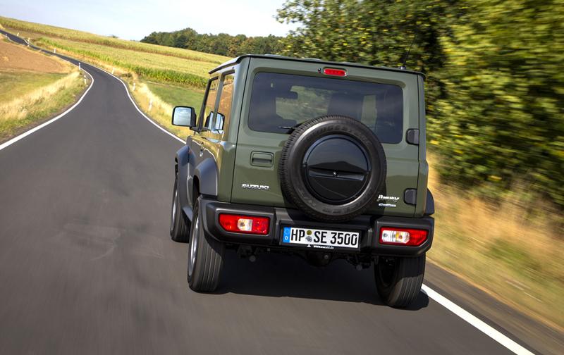 Je nové Suzuki Jimny stále pořádný off-road? Britové ho poslali do souboje s Toyotou Land  Cruiser: - fotka 33