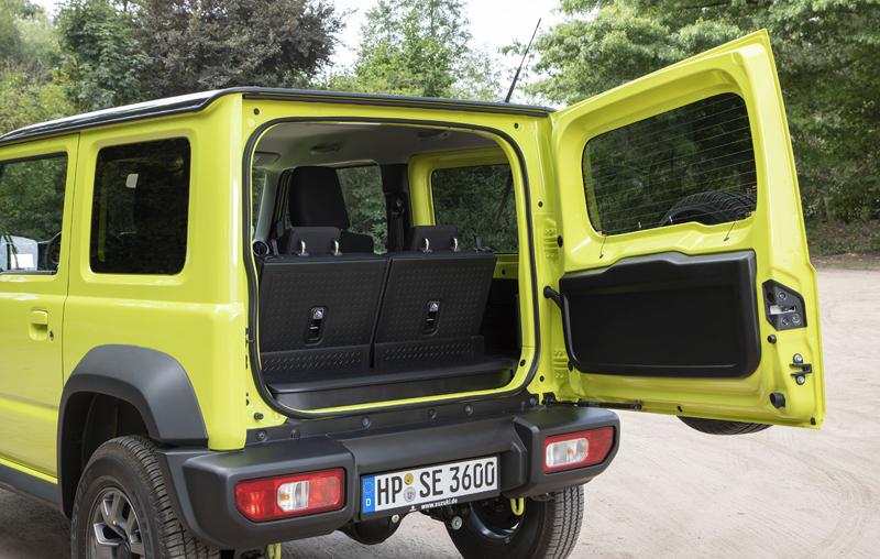 Je nové Suzuki Jimny stále pořádný off-road? Britové ho poslali do souboje s Toyotou Land  Cruiser: - fotka 40