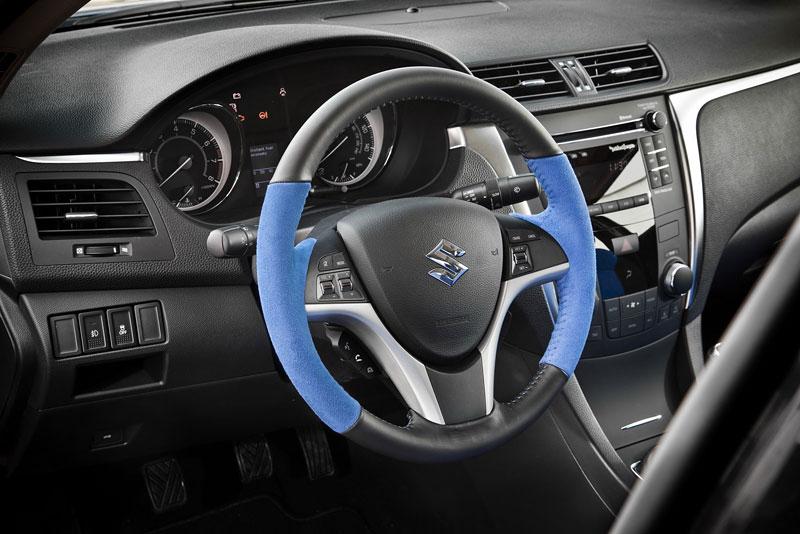 Suzuki Kizashi Apex Turbo Concept: ostrý sedan má 300 koní: - fotka 2