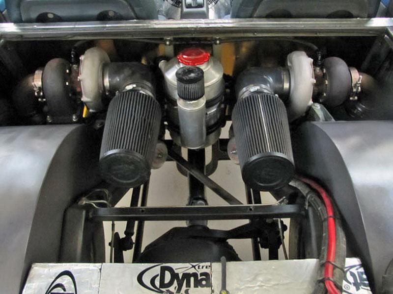Dokonalý sleeper: Suzuki Swift s motorem V8 6.6: - fotka 22