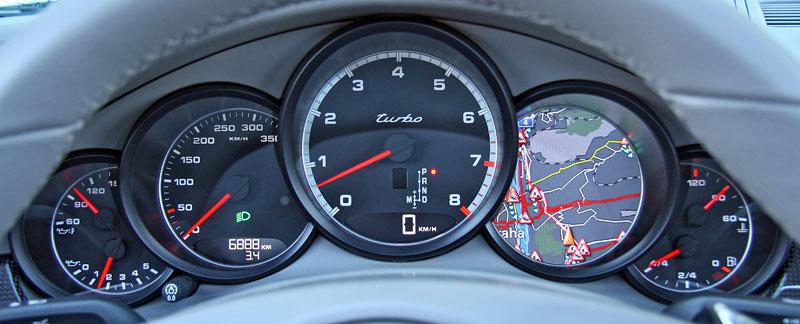 Test: Porsche Panamera Turbo: Ať tě provází síla: - fotka 1