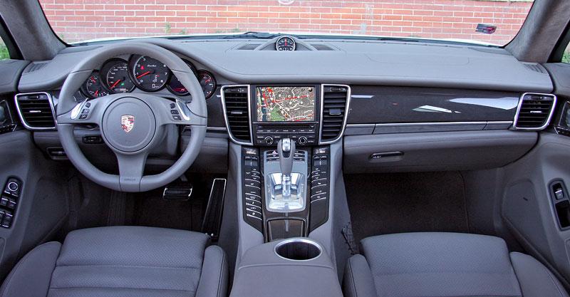 Test: Porsche Panamera Turbo: Ať tě provází síla: - fotka 6