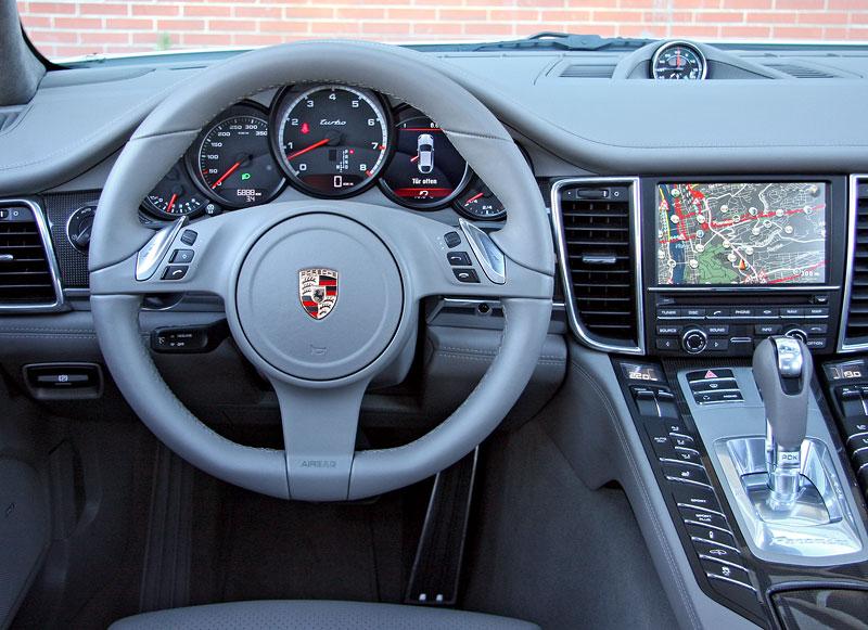 Test: Porsche Panamera Turbo: Ať tě provází síla: - fotka 8