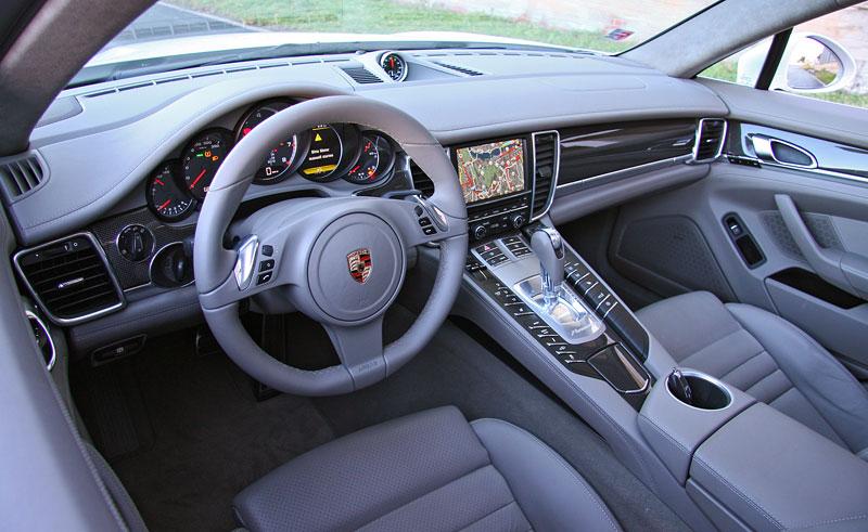 Test: Porsche Panamera Turbo: Ať tě provází síla: - fotka 9