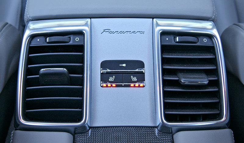 Test: Porsche Panamera Turbo: Ať tě provází síla: - fotka 14