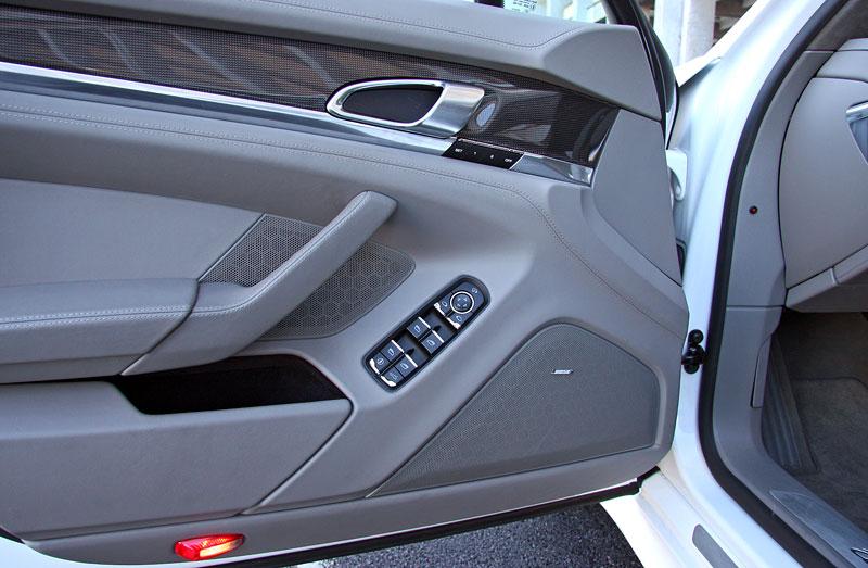 Test: Porsche Panamera Turbo: Ať tě provází síla: - fotka 16