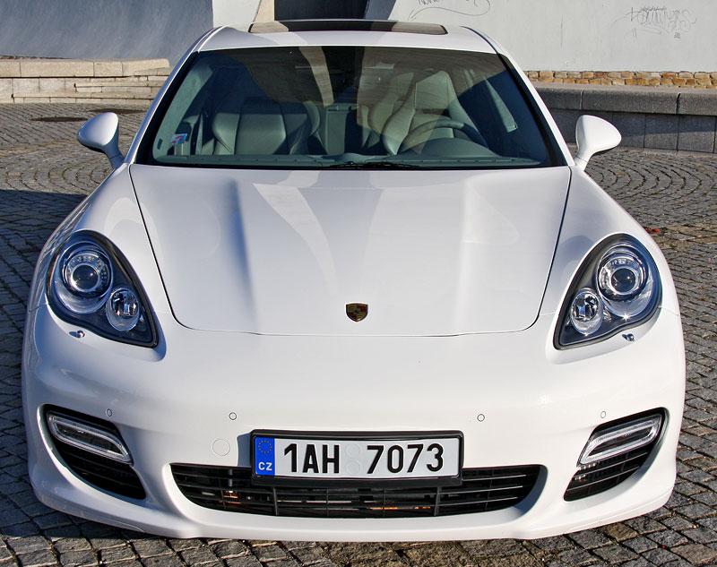 Test: Porsche Panamera Turbo: Ať tě provází síla: - fotka 25