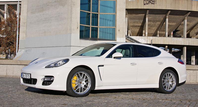 Test: Porsche Panamera Turbo: Ať tě provází síla: - fotka 26