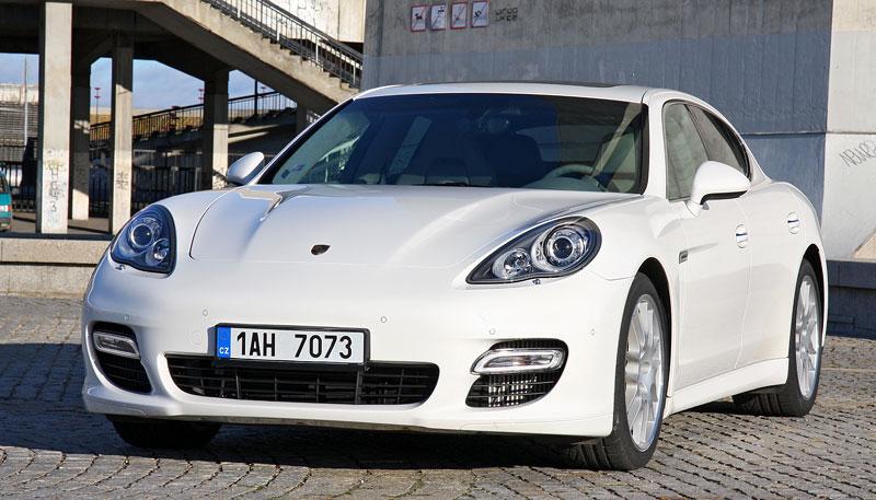 Test: Porsche Panamera Turbo: Ať tě provází síla: - fotka 27