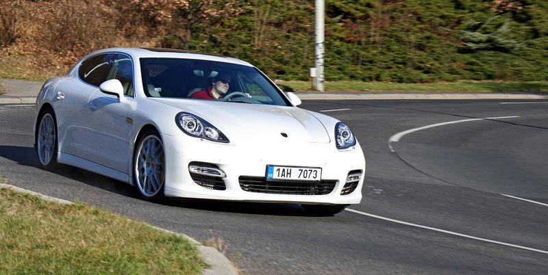 Test: Porsche Panamera Turbo: Ať tě provází síla: - fotka 30