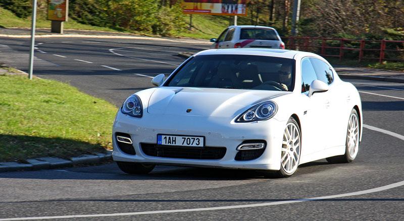 Test: Porsche Panamera Turbo: Ať tě provází síla: - fotka 31