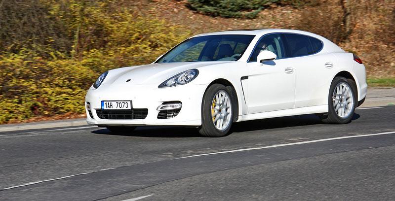 Test: Porsche Panamera Turbo: Ať tě provází síla: - fotka 34