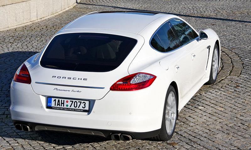 Test: Porsche Panamera Turbo: Ať tě provází síla: - fotka 40