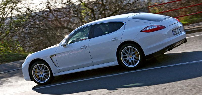 Test: Porsche Panamera Turbo: Ať tě provází síla: - fotka 41