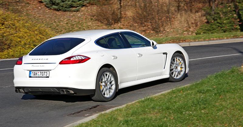 Test: Porsche Panamera Turbo: Ať tě provází síla: - fotka 42