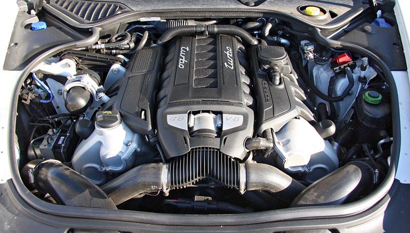 Test: Porsche Panamera Turbo: Ať tě provází síla: - fotka 50