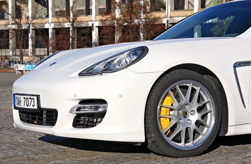 Test: Porsche Panamera Turbo: Ať tě provází síla: - fotka 51