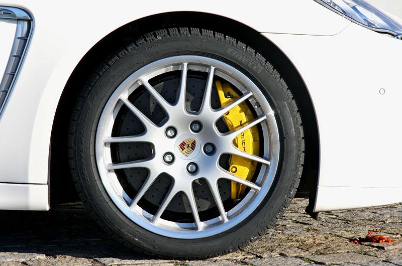 Test: Porsche Panamera Turbo: Ať tě provází síla: - fotka 55