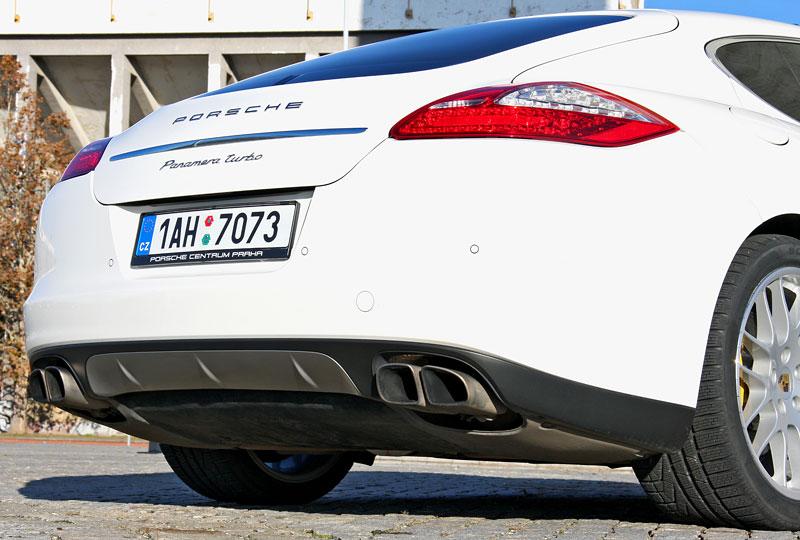 Test: Porsche Panamera Turbo: Ať tě provází síla: - fotka 56