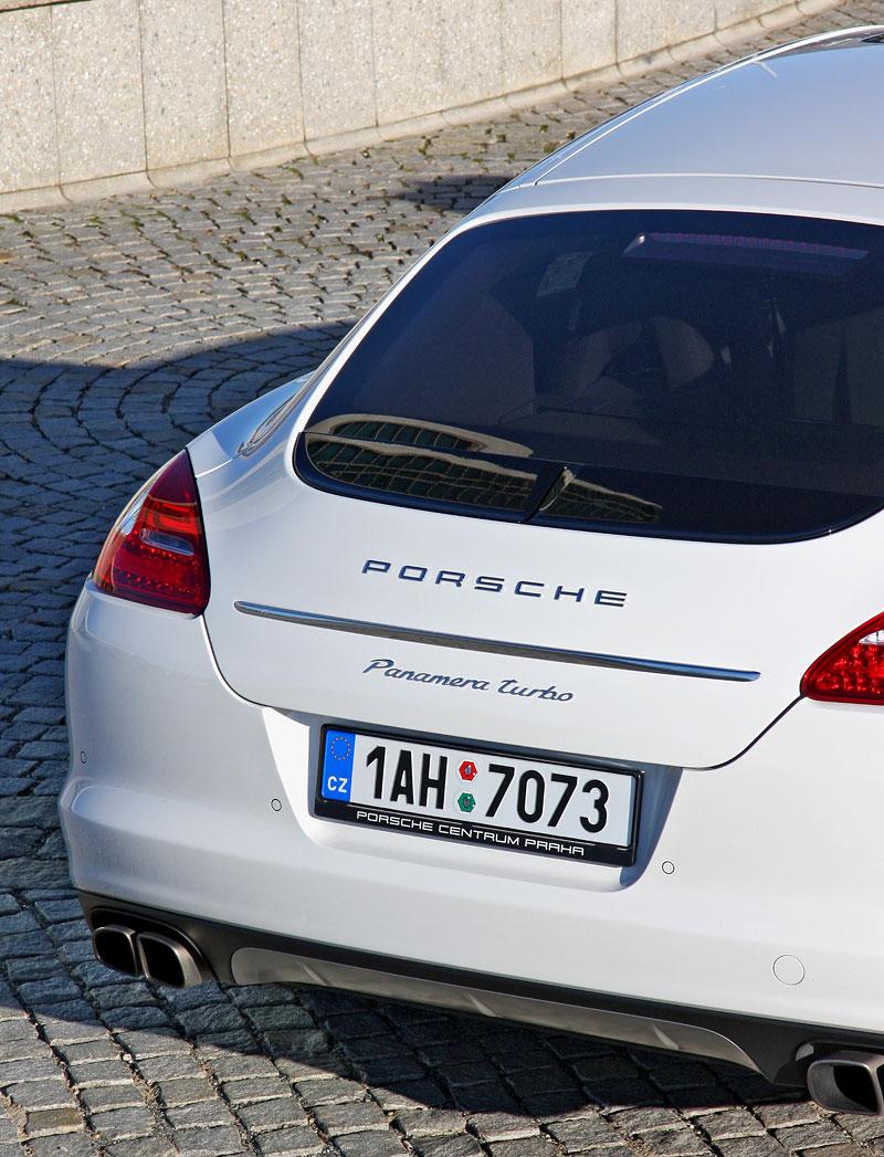 Test: Porsche Panamera Turbo: Ať tě provází síla: - fotka 59