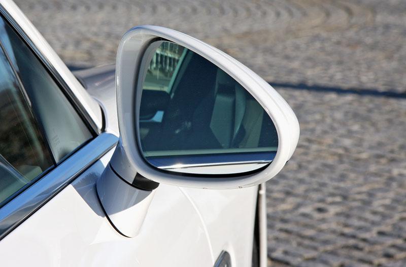 Test: Porsche Panamera Turbo: Ať tě provází síla: - fotka 65