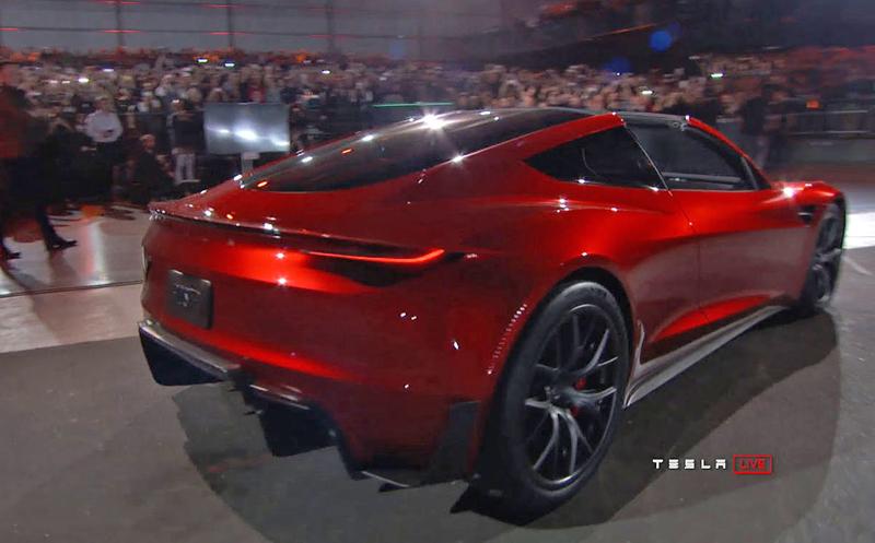 Elon Musk představil další bláznivou vizi. Příští Tesla Roadster se prý bude vznášet: - fotka 12
