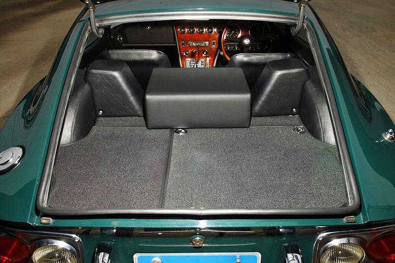 Vymazlená Toyota 2000GT z roku 1970: - fotka 9