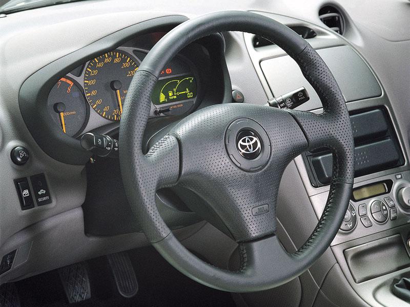 Subaru a Toyota - více sportovních vozů: - fotka 18