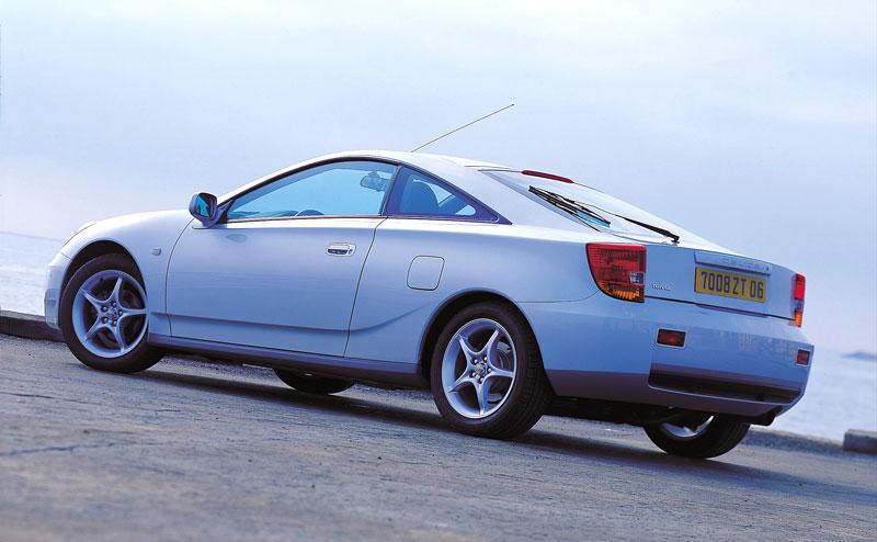 Subaru a Toyota - více sportovních vozů: - fotka 21