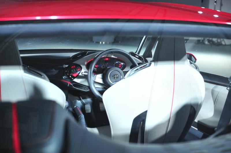 Toyota FT-86 i jako kabriolet? Asi ano. A Subaru zase se 4x4: - fotka 4