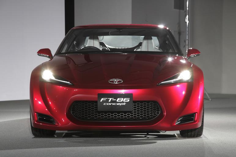 Toyota FT-86 i jako kabriolet? Asi ano. A Subaru zase se 4x4: - fotka 11