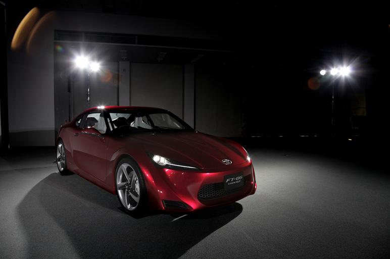 Toyota FT-86 i jako kabriolet? Asi ano. A Subaru zase se 4x4: - fotka 12