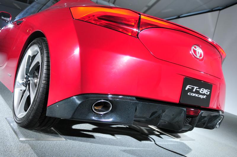 Toyota FT-86 i jako kabriolet? Asi ano. A Subaru zase se 4x4: - fotka 36